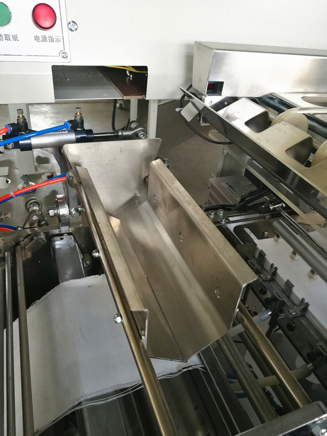 High Tightness Noodle Packaging Machine / Pasta Packaging Machine With Paper